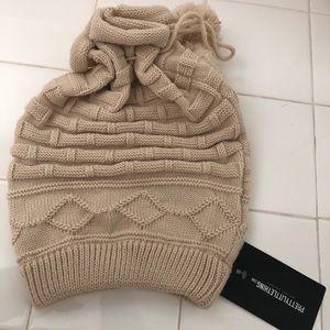Beanie/scarf